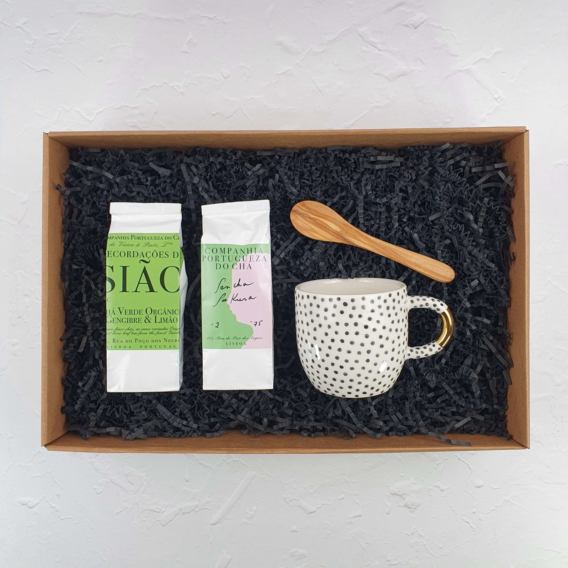 giftbox hug in a cup